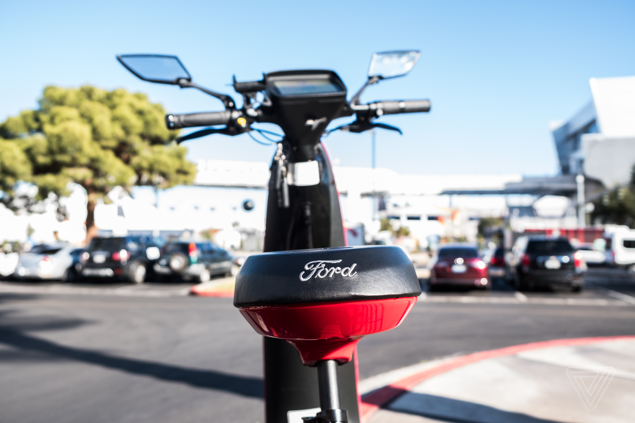 ces_2018_ford_ojo_electric_scooter_9249